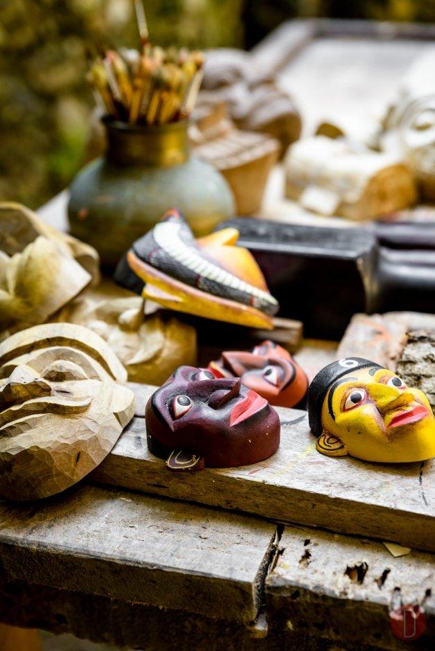Amangalla, Sri Lanka - traditional mask carving